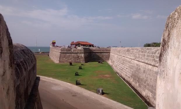 Muralla de frente al mar