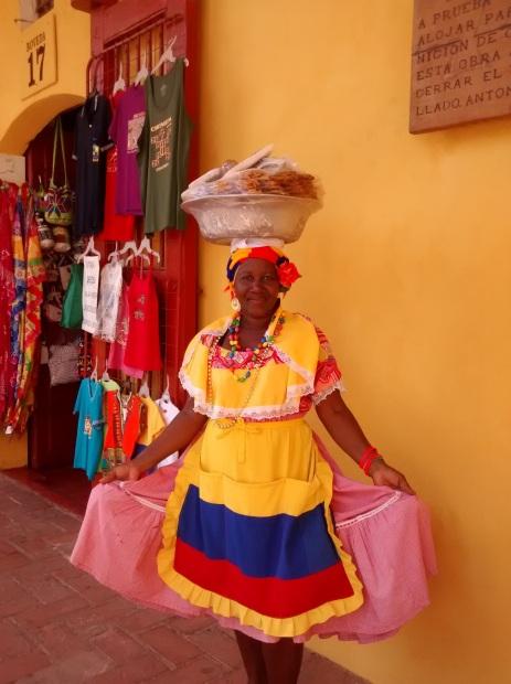Vendedora de dulces en Cartagena